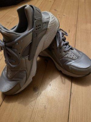Nike Huarache Grau Gr. 38,5