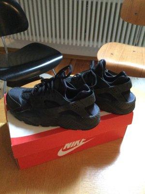 Nike Huarache in schwarz