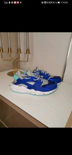 Nike Huarache Sneaker