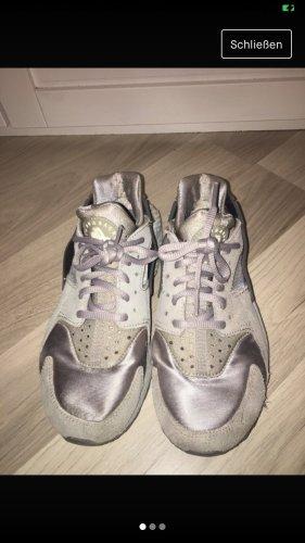Nike Hurache Silber grau