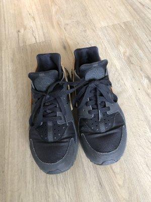 Nike Zapatillas altas negro-color oro