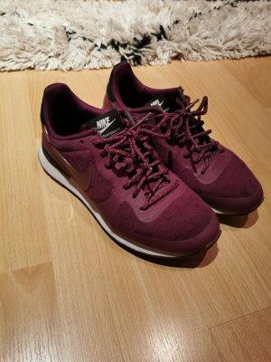Nike Internationalist 36