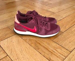 Nike Internationalist, 40