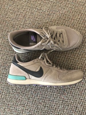NIKE INTERNATIONALIST Gr.40
