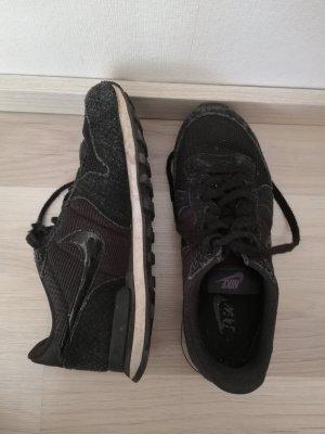 Nike Internationalist Größe 40