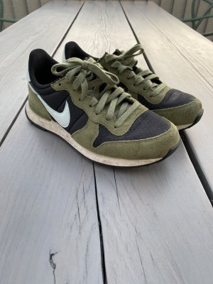 Nike Internationalist olivgrün Gr. 38,5