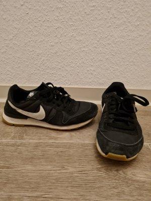 Nike internationalist schwarz