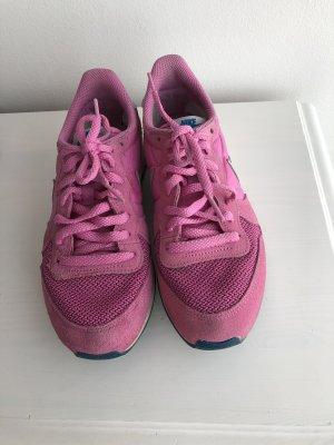 Nike Internationalist WMNS red velvet/grey/Sammler aufgepasst!