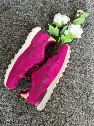 Nike Internationalists Sneaker Damen pink / beere