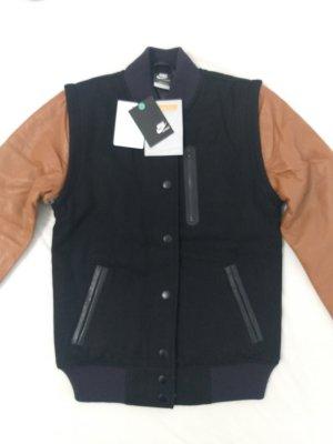 Nike Between-Seasons Jacket black-light brown