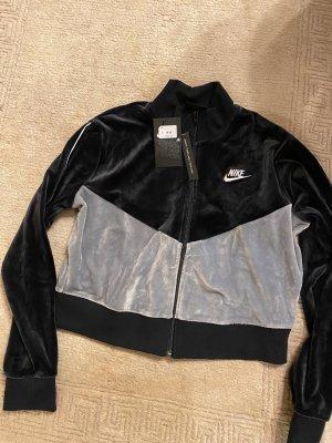 Nike Jacke neu mit Etikett in m