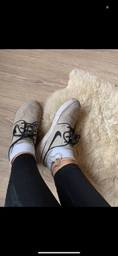 Nike Chaussure skate beige clair