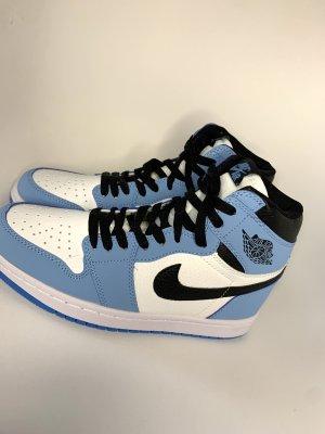 Nike Jordan 1 High Blau