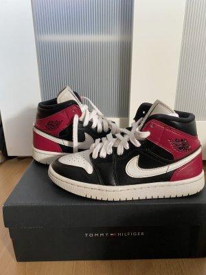 Nike Jordan 1 Mid Noble Red 37,5