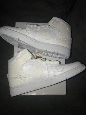 Nike Jordan 1 Neu 39