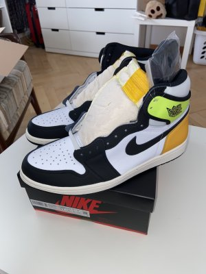 Nike Jordan 1 Retro High OG Volt Gold EUR 45/US 11