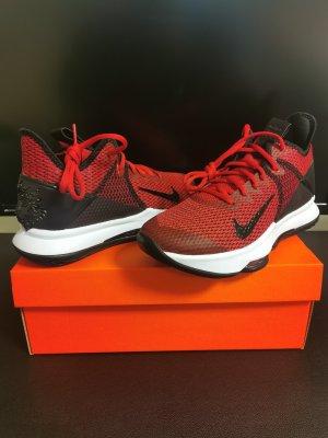 Nike Jordan Witness 4 Gr. 38.5