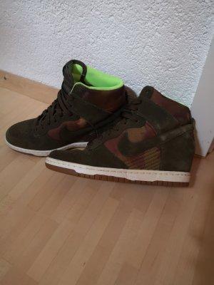 Nike Sneaker con zeppa multicolore