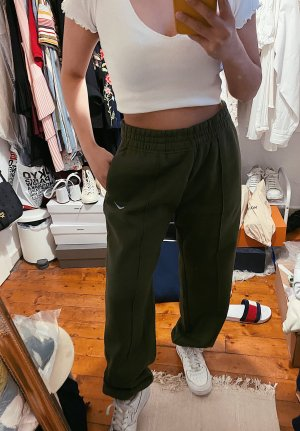 Nike khaki lockere baggy highwaisted Jogginghose Logo