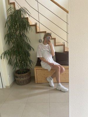 Nike Kleid