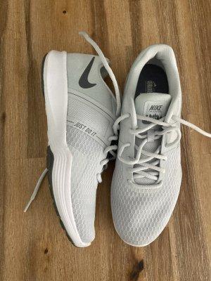 Nike Laufschuh Trainer2