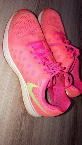 Nike Laufschuhe Größe 38.5