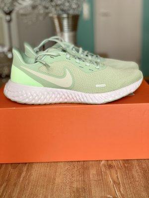 Nike Laufschuhe Revolution 5 Gr. 38,5 Pistachio