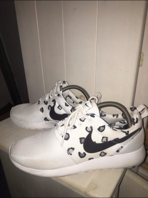 Nike Leopardenmuster Muster Sneaker Roshe Run neu Schön