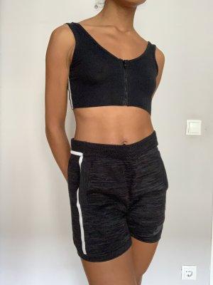 Nike Lounge Shorts meliert aus mit Schnüren