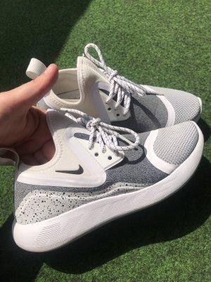 Nike Lunarcharge 36,5