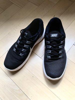 Nike Lunarconverge Laufschuh Sneaker