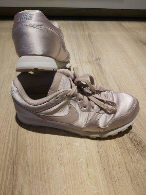 Nike MD Runner 2 37