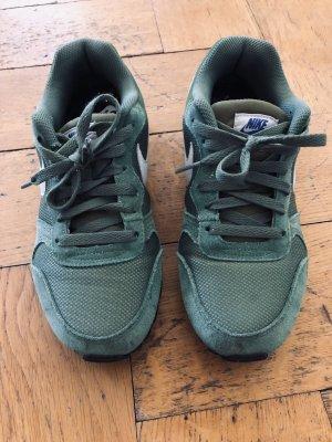 Nike MD Runner2 Turnschuhe Gr.38, grün