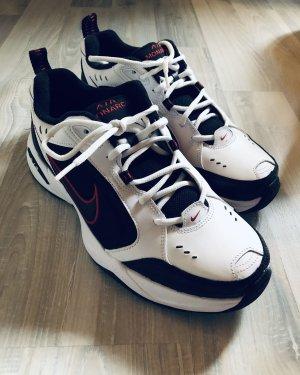Nike Monarch 44