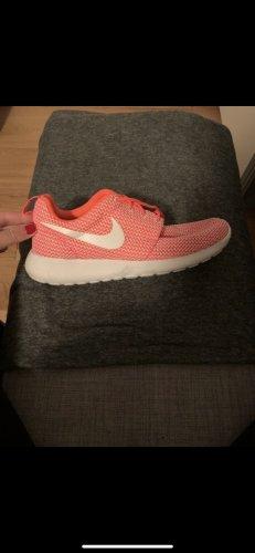 Nike-neon
