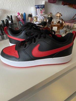 Nike Neu