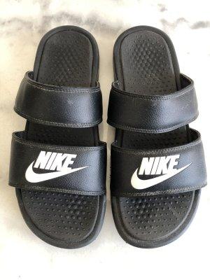 Nike Flip-Flop Sandals black