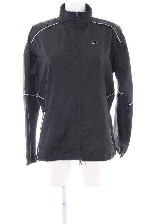 Nike Outdoorjacke schwarz-weiß sportlicher Stil