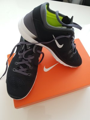 Nike Performance Free 5.0 TR Fit 5 Sportschuhe Gr.35,5