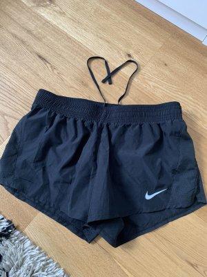 Nike Performance kurze Sporthose