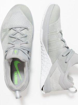 Nike Performance METCON FLYKNIT 3 - Trainings-/Fitnessschuh 1x getragen
