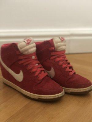 Nike Pumps