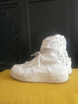 Nike Rebel X 40