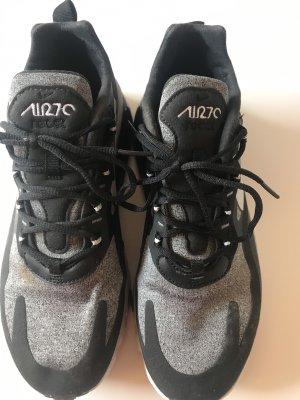 Nike recct air 270