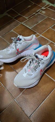 Nike Renew 38.5