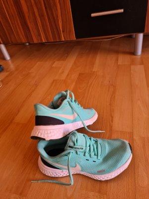 Nike Revolution Türkis