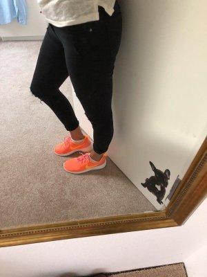 Nike Rosh runs