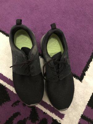 Nike Roshe 38 Schwarz grau Damen