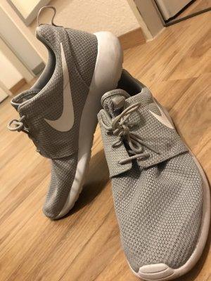 Nike Roshe Größe 45