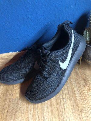 Nike Basket à lacet noir-gris anthracite